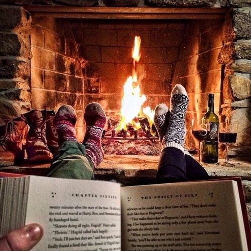 Wishing You a Cozy Reading Christmas!